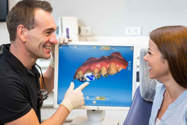 Showing your patient dental imaging could help improve treatment uptake