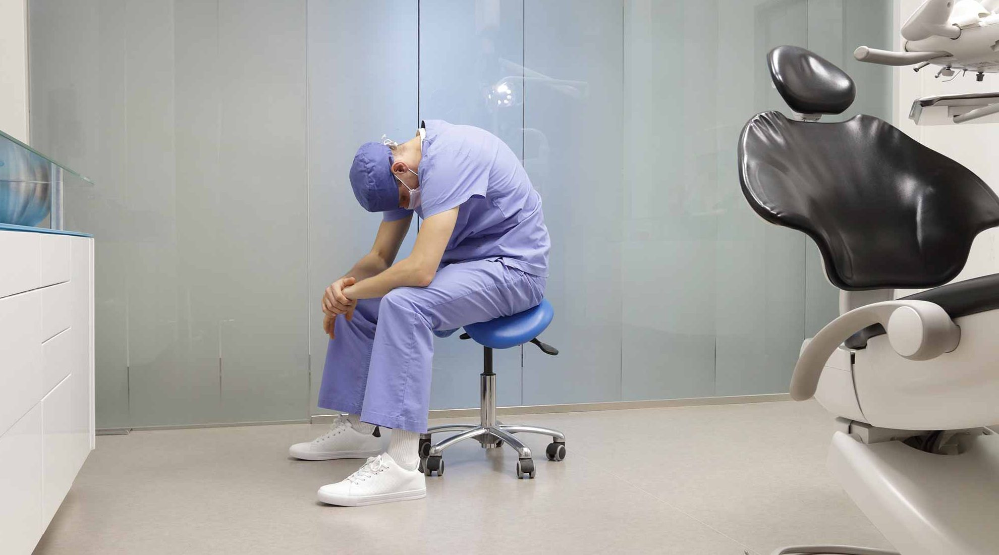 dentist at risk of burnout