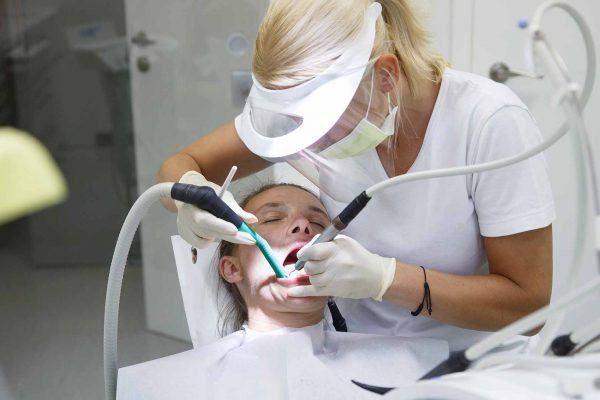 could dental therapists retrain as dentists?
