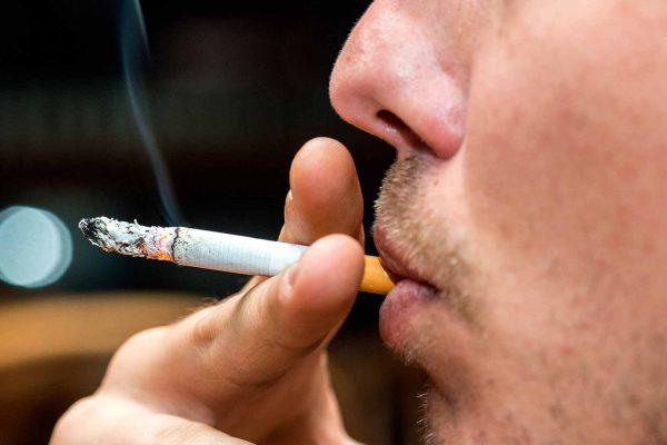 smoking increases risks of coronavirus