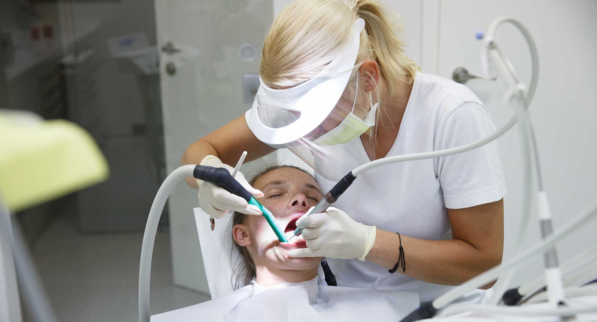 hygienist working under direct access