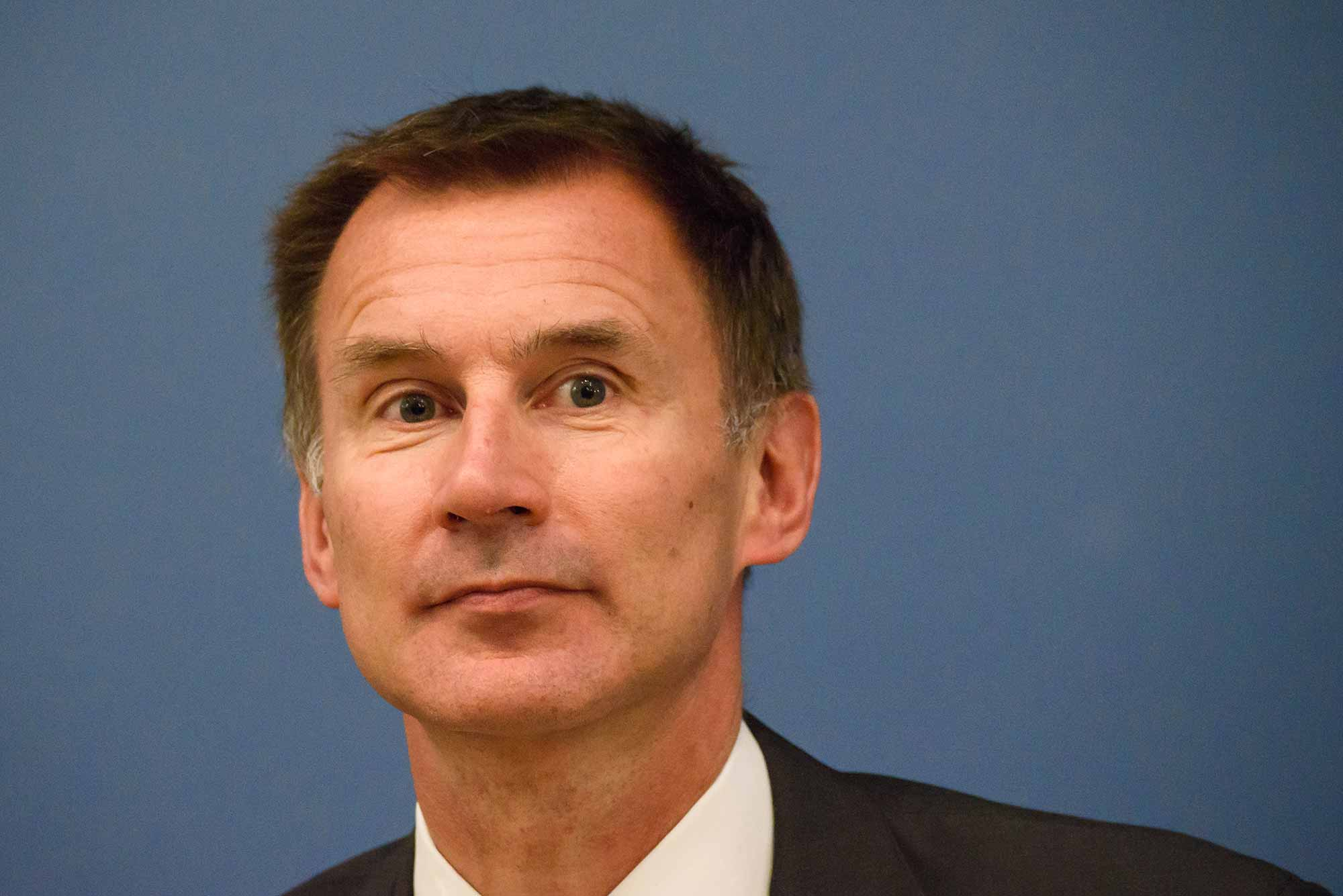 Jeremy Hunt reopens inquiry into dentistry