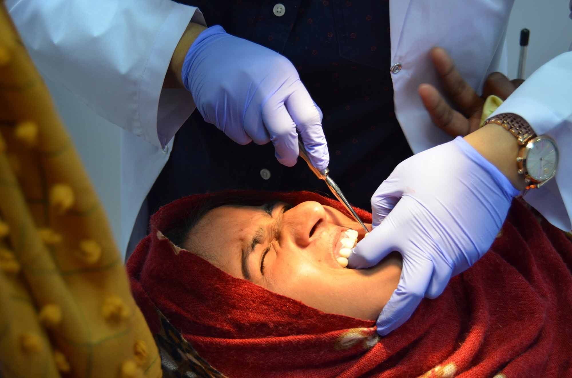 Thanaa Abdullah helped to set up a dental facility for a charity in Pakistan