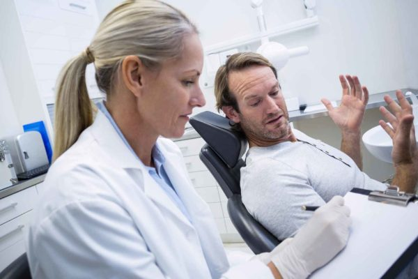 dentist offering holistic dentistry