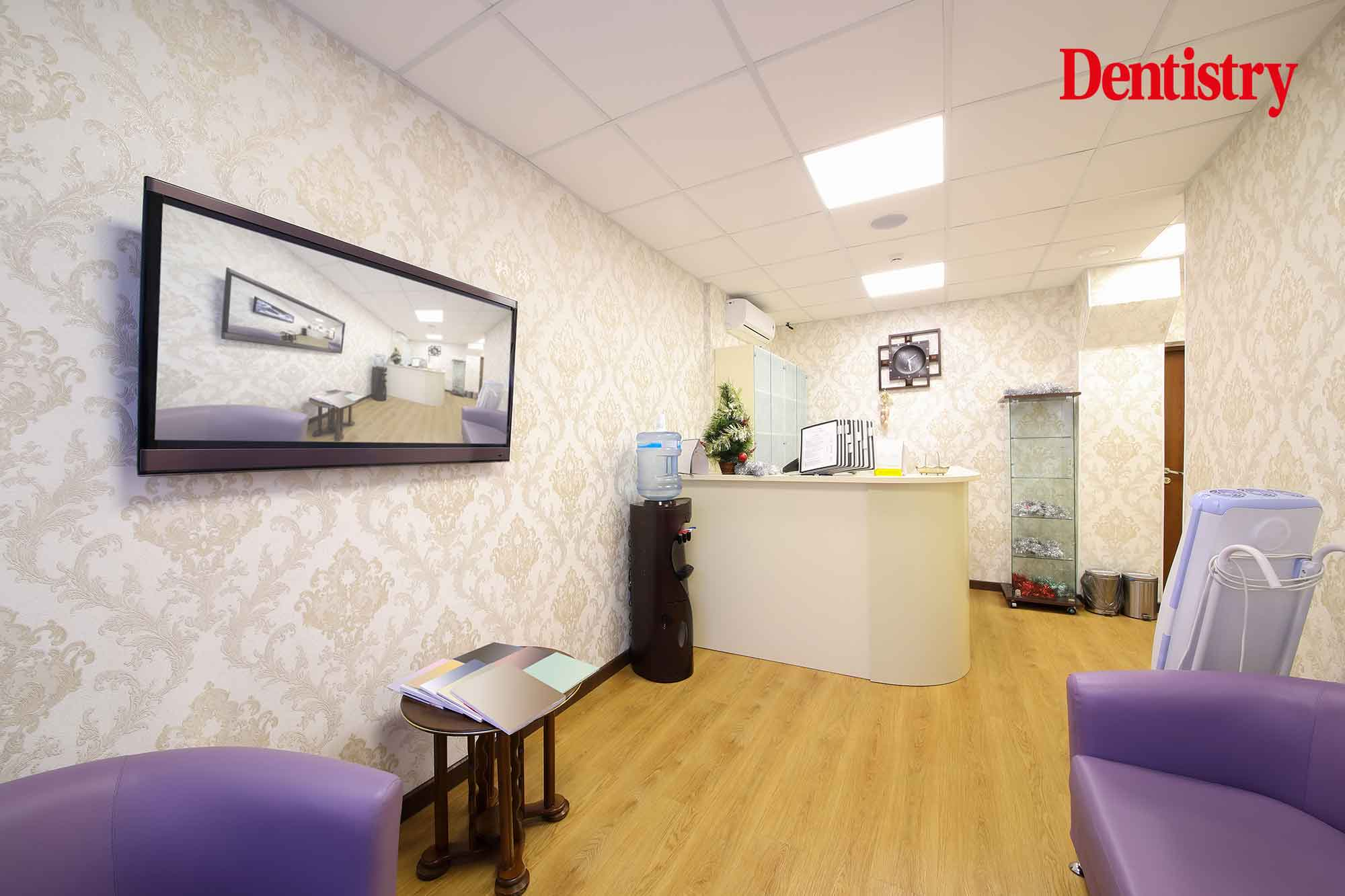 digital signage in a dental practice
