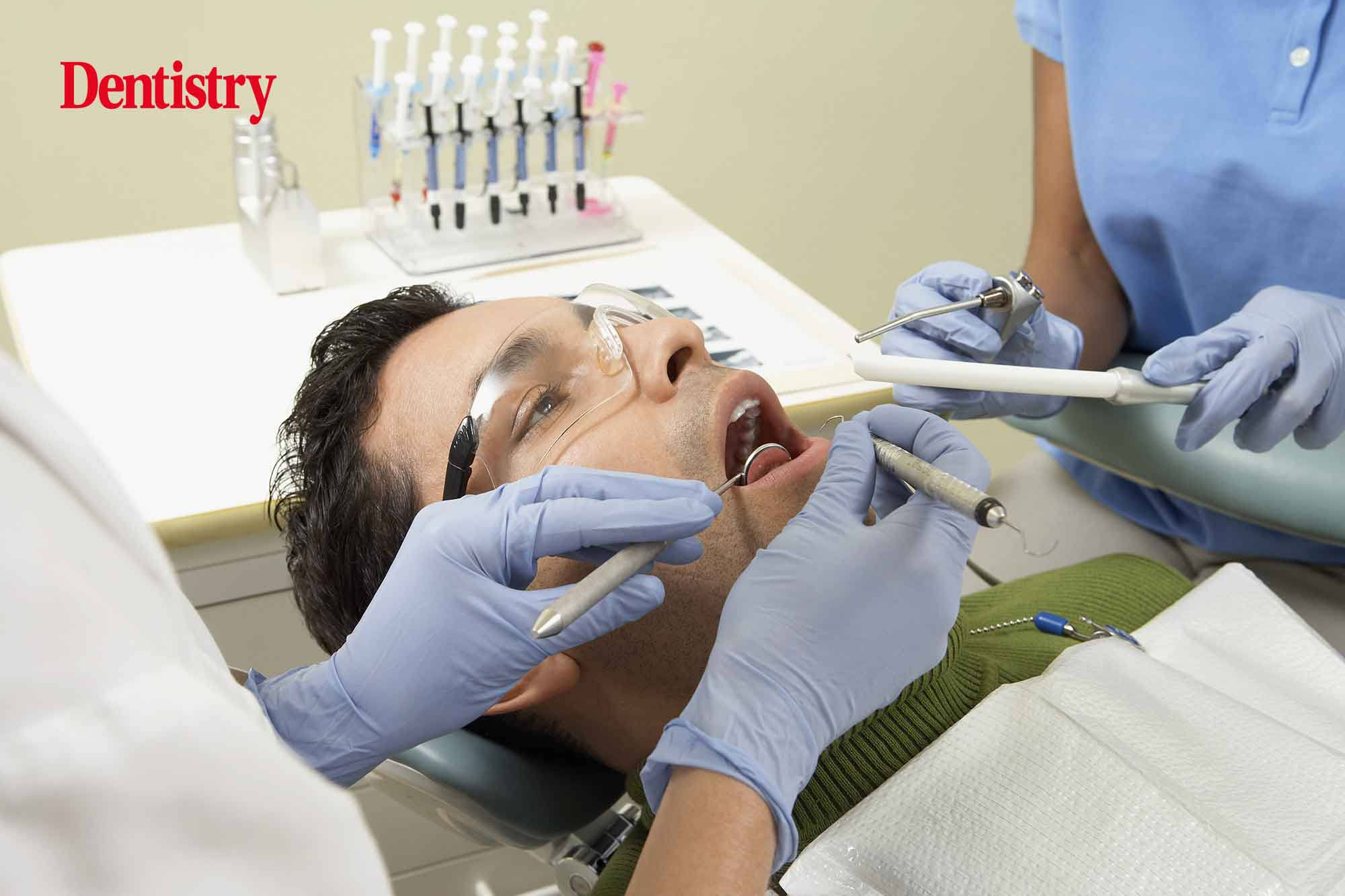 Patients on the Isle of Wight are living in 'constant pain' due to a lack of dental services.